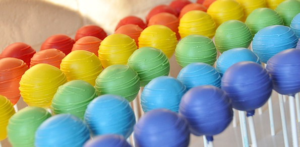 rainbow-colours-cake-pops