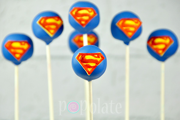 superman-logo-cake-pop